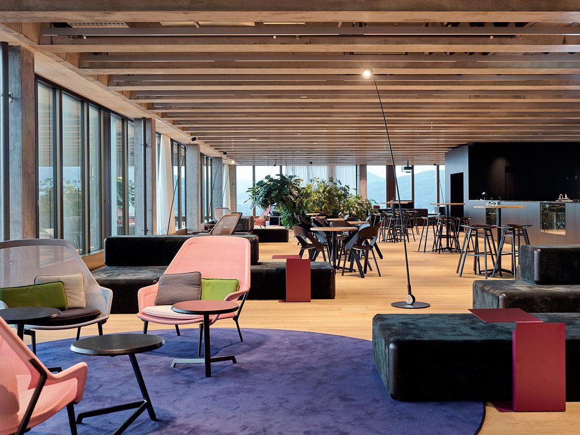 Lounge im 12. Obergeschoss