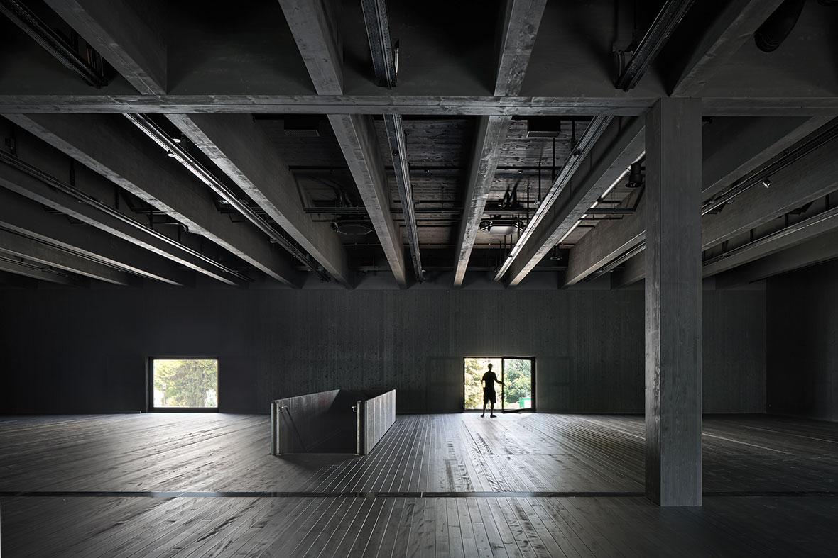 Obergeschoss mit Fenstern